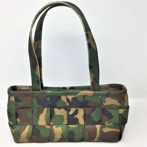 Harveys Camo Seatbelt Bag Satchel